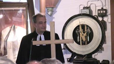 Photo: Pastor Schlake, Franz von Frajer und der Posaunenchor gestalteten den Gottesdienst in der Mühle.