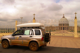 Photo: Basilica of our Lady of Peace, Yamoussoukro