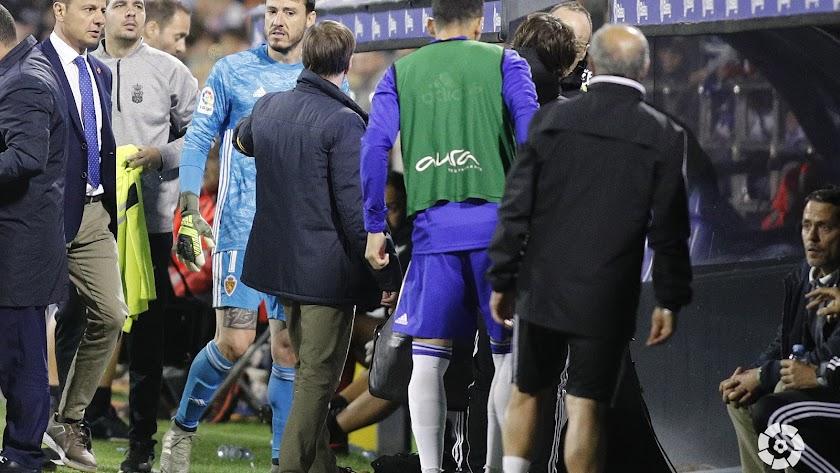 El portero Cristian Álvarez se lesionó en el minuto 60.
