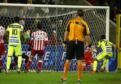 Bij AA Gent liepen ze opnieuw tegen een randgeval op de doellijn aan