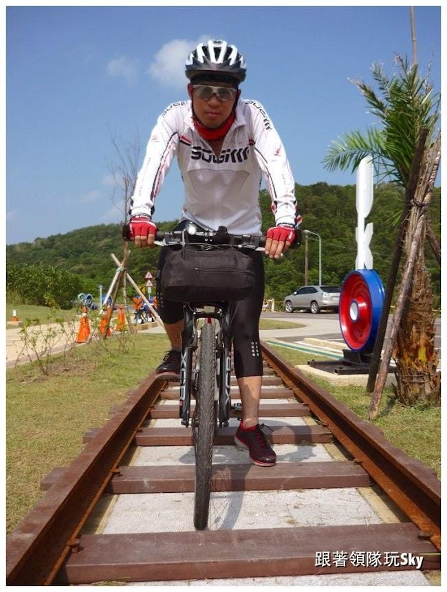 貢寮景點推薦-福隆可以騎車的火車隧道喔【舊草嶺隧道】