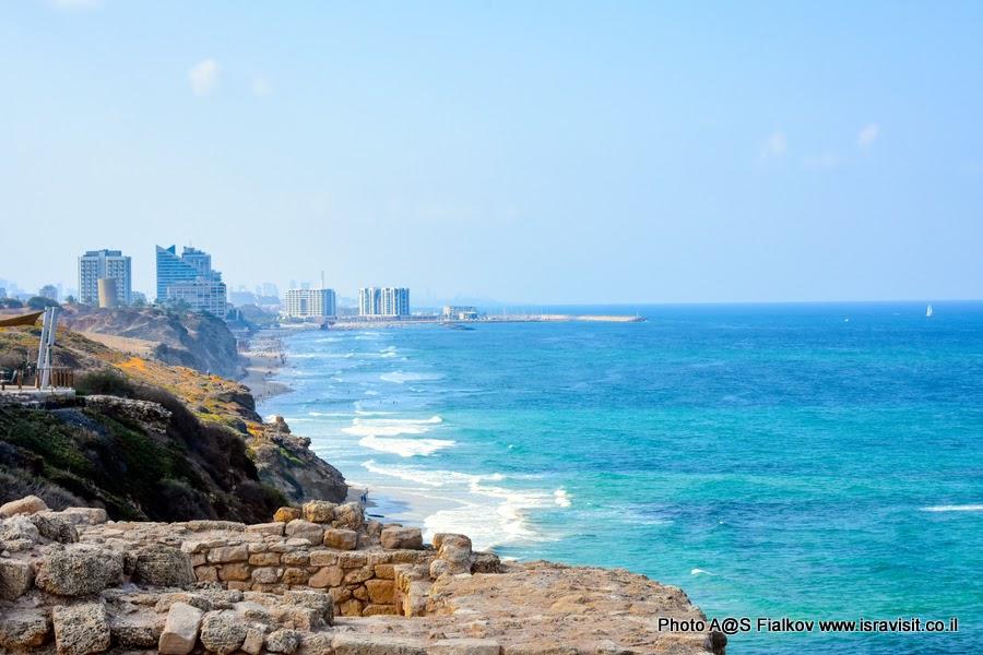 Экскурсия в Израиле. Национальный парк Аполлония. Вид на побережье Тель Авива.