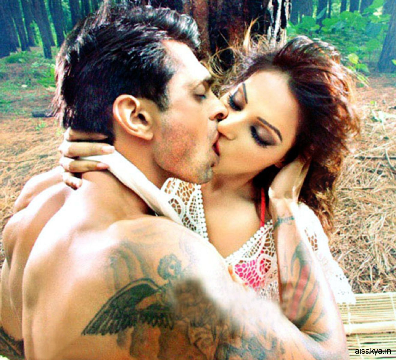 Karan Singh Grover the brand new entry to Bips boyfriend record.