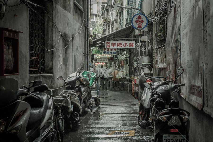Back alley by Ryusuke Komori - City,  Street & Park  Street Scenes ( pwcfoulweather-dq, taiwan, street, people, rain )
