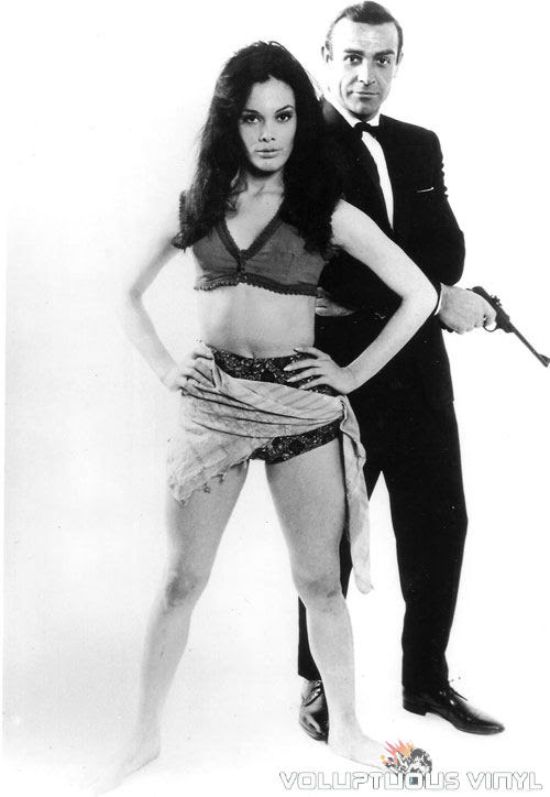 Martine Beswick and Sean Connery in From Russia With Love