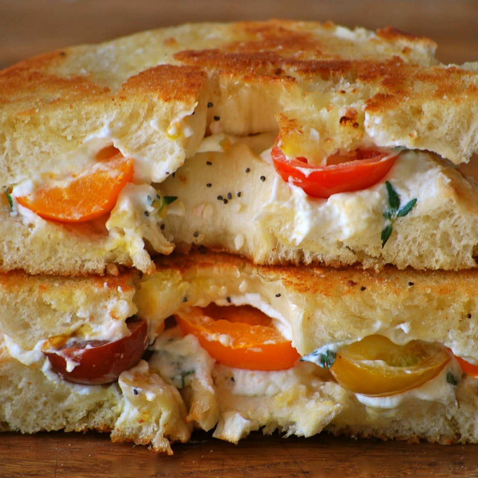 Team Cream – Bagel Grilled Cheese with Heirloom Tomatoes and Thyme Cream Cheese