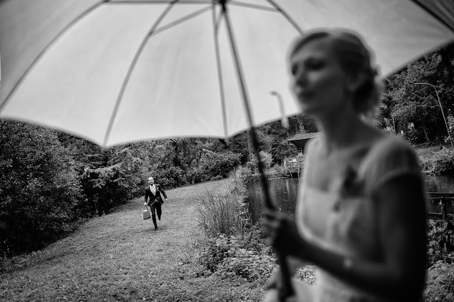 Wedding photographer Marius Barbulescu (mariusbarbulesc). Photo of 14.01.2016
