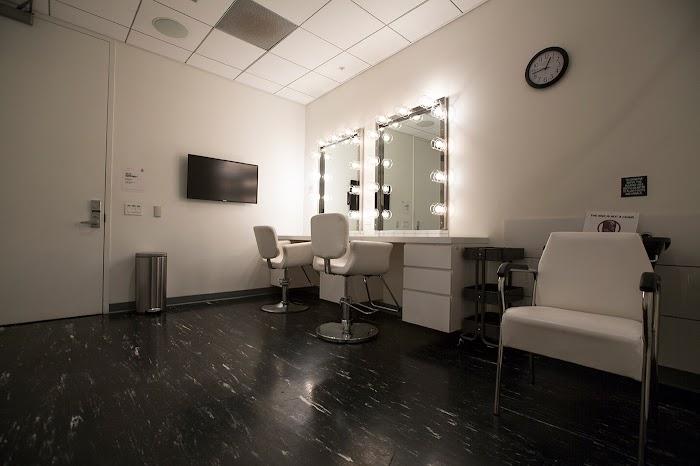 Make-up Room 2
