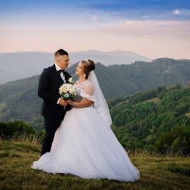 On top by Klaudia Klu - Wedding Bride & Groom