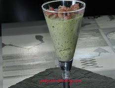 https://sites.google.com/site/cuisinedesdelices/entrees-froides/verrine-de-mousse-de-courgette-aux-crevettes-grises