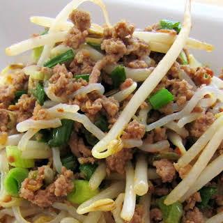 Stir-Fried Shirataki Noodles with Spicy Ground Pork.