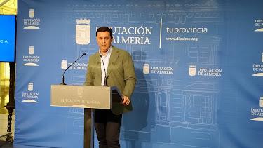 Javier Aureliano García, presidente de la Diputación Provincial, en la rueda de prensa
