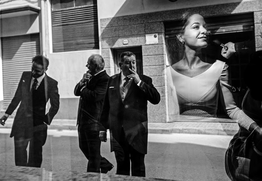 Wedding photographer Rafa Martell (fotoalpunto). Photo of 27.05.2016