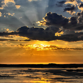 The sun shines on tv by Kenneth Pettersen - Landscapes Sunsets & Sunrises ( clouds, sunset, summer, andøy, norway )