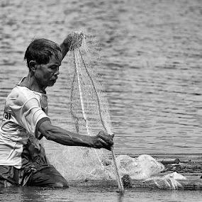 Nets Fisherman by Benny De - People Portraits of Men
