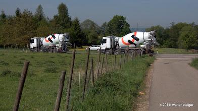 Photo: holcim. landschaft mit betonmischern. nbs-baustelle aichelberg