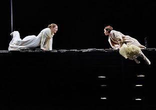 Photo: WIEN/ Burgtheater: WASSA SCHELESNOWA von Maxim Gorki. Premiere22.10.2015. Inszenierung: Andreas Kriegenburg. Christiane von Poelnitz,  Andrea Wenzl, Copyright: Barbara Zeininger