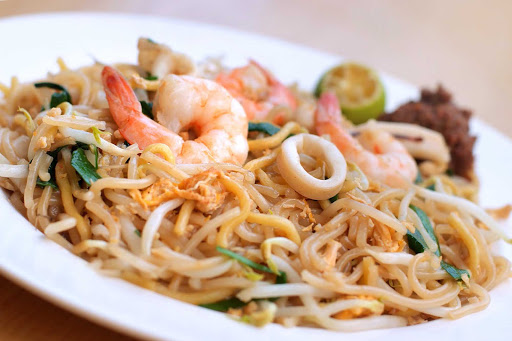 hokkien-mee-dish-Singapore.jpg - Singapore's signature dish of prawn noodles, called Hokkien mee.