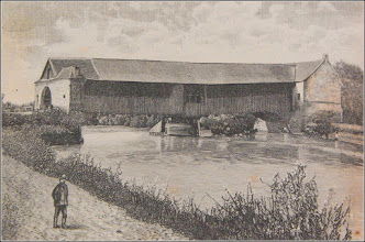 Photo: Imagine din Turda veche, luate din cartea lui Orbán Balázs -Torda város és környéke Podul de lemn sursa Facebook, Daniel Borbe https://www.facebook.com/photo.php?fbid=606188032752335&set=a.606187909419014.1073741850.100000834303675&type=3&theater sursa: imagini vechi Radu Cerghizan Vechiul pod acoperit de lemn peste Arieş, construit de János Kövesi între anii 1797-1804 (fotografie luată din aval, pe malul drept al Arieşului, în anul 1889). https://imaginivechi.files.wordpress.com/2010/06/209-podul-peste-aries-avalmalul-drept1889.jpg  de pe Facebook, comentariu Czakó Attila Adalbert  https://www.facebook.com/photo.php?fbid=1528681010492985&set=a.961849920509433.1073742071.100000533013542&type=3&theater&notif_t=photo_comment&notif_id=1479821563735627