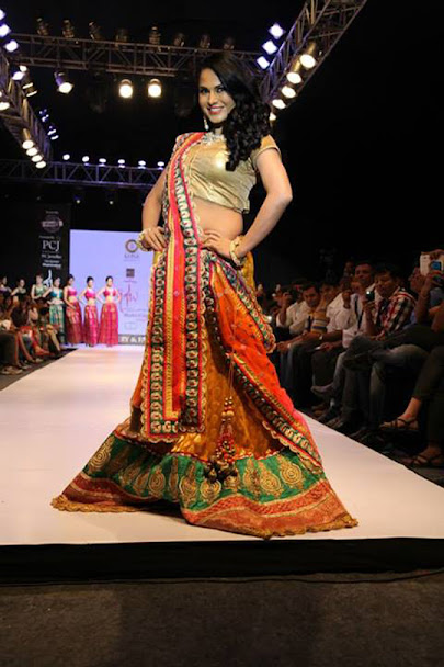 Veena Malik fashion walk, Veena Malik ramp walk