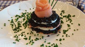 Rosa de salmón con caviar.