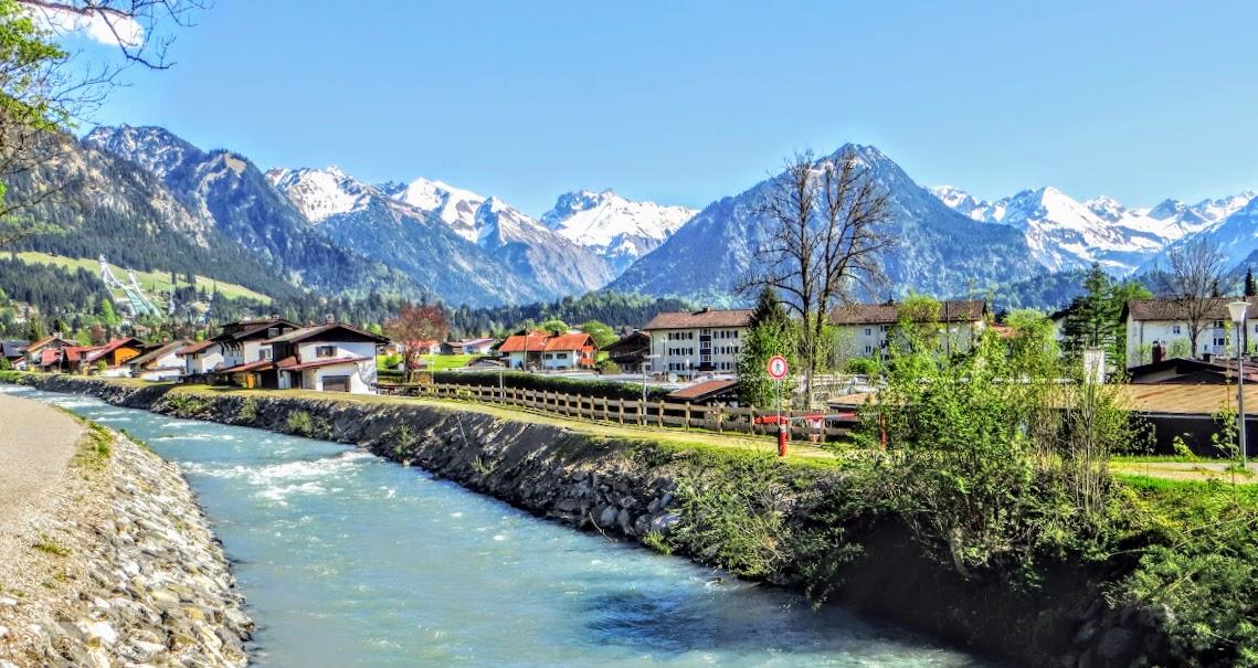 Trettach Blick auf die Oberstorfer Berge Oberstdorf Allgäu