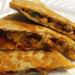 Leftover Chicken Fajitas Quesadilla