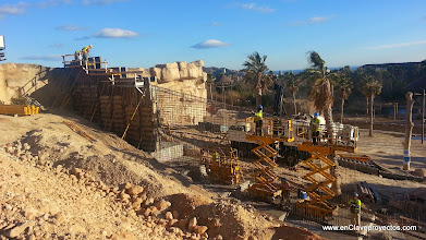 Photo: Ejecución de muros de contención armados.