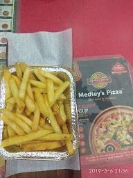 Medley's Pizza photo 6