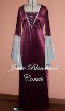 Photo: Vestido Estilo Medieval em veludo.   Site: http://www.josetteblanchard.com/ Facebook: https://www.facebook.com/JosetteBlanchardCorsets/ Email: josetteblanchardcorsets@gmail.com josetteblanchardcorsets@hotmail.com