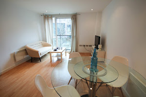 spacious living area farringdon apartment