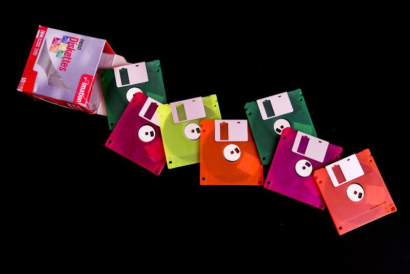 un floppy dietro l'altro... di elisabetta_de_carli