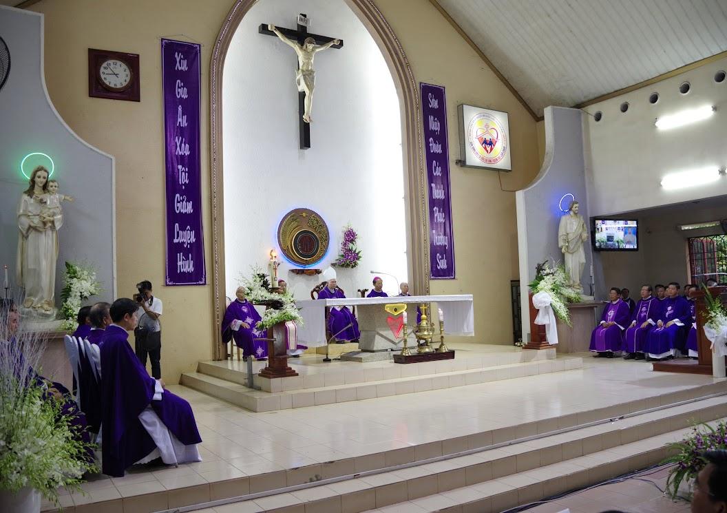 Thánh lễ an táng Cha Giuse Trần Ngọc Tâm - Chánh xứ Xuân Đức - Ảnh minh hoạ 17