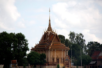 Photo: Year 2 Day 34 -  Wat on the Banks of the Mekong