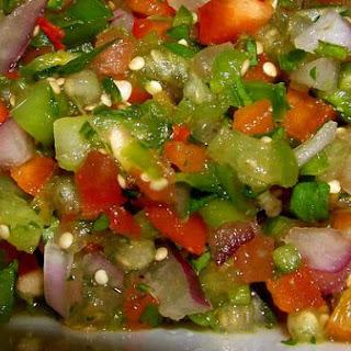 Fresh and Spicy Tomatillo Pico De Gallo