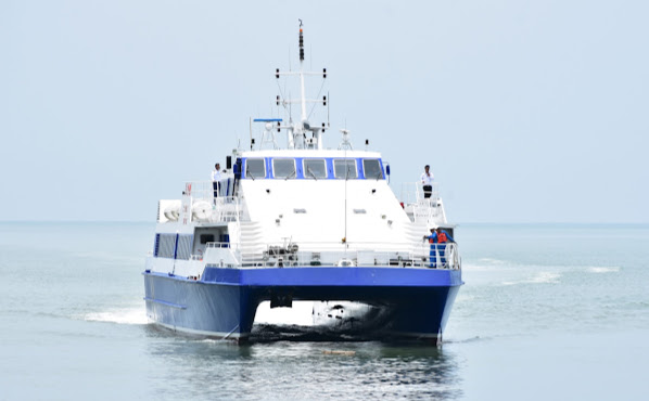 Travel from Pattaya to Hua Hin by Royal Passenger Catamaran in Business Class
