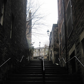 Edinburgh Steps by Gay Reilly - Novices Only Street & Candid