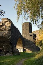Photo: Friedensmuseum mit Resten der ehemaligen Ludendorff Brücke Foto: Wikipedia GNU Lizenz