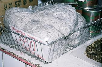 Photo: 03098 ウランバートル/風景/ダライ・エージ(海の母)/食料品専門の市場/押し出し麺