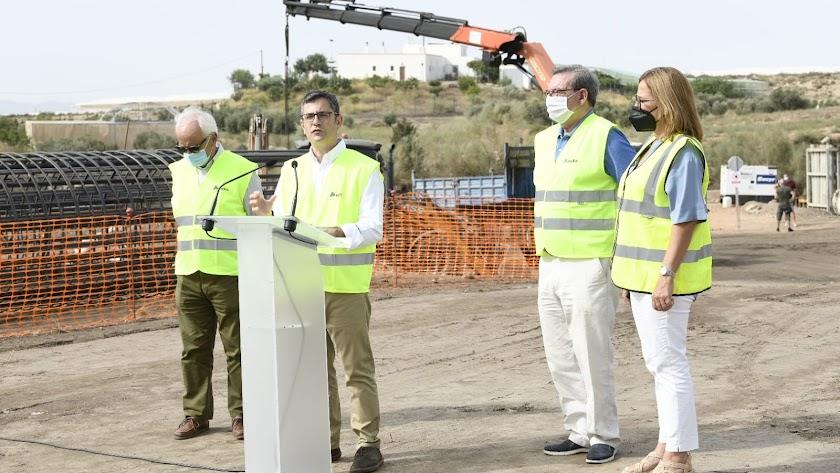 El ministro Félix Bolaños, durante su visita este agosto a Almería para visitar las obras del AVE en Níjar.