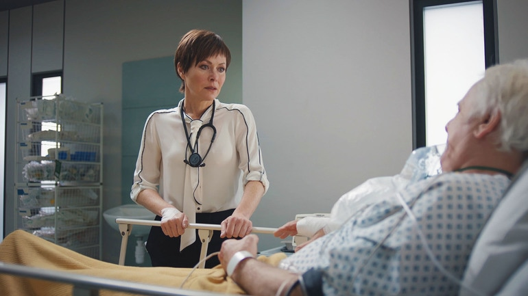 Casualty, BBC, episode review, series 32, episode 36, Connie, Amanda Mealing