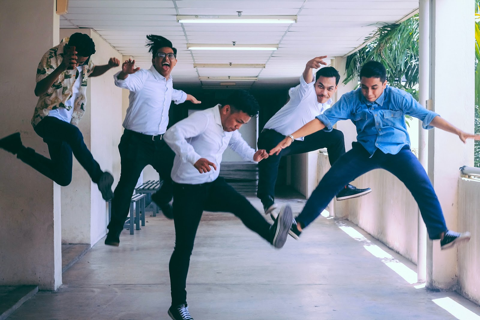 people jumping, happy employees, great boss, time tracking, msp