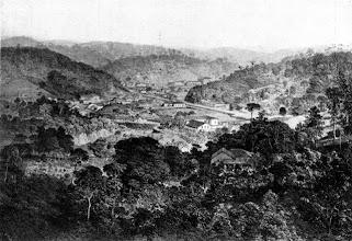 Photo: Vista aérea do centro da cidade. Desenho de meados do século XIX