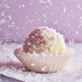 Snow by Alina Dinu - Food & Drink Candy & Dessert ( desert, sweet, coconut, candy, food, snow, raffaello, closeup )
