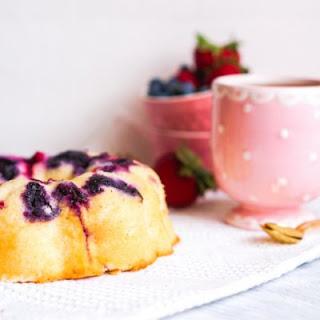 Crockpot Summer Berry Cake