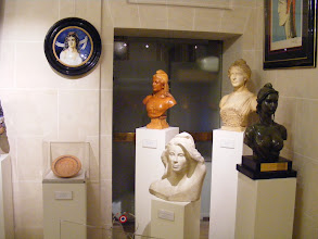 Photo: The ground floor Clemenceau Foyer contains two significant historical collections, the first being numerous representations of Marianne assembled by Pierre Bonte and acquired by the Senate between 2001 and 2006.