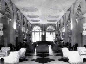 Photo: Corredor central do Palácio Quitandinha. Foto da Revista norte-americana House Beautyful