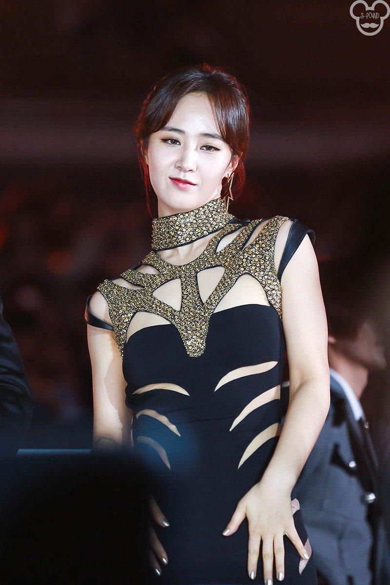 yuri gown 33