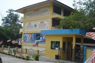 Photo: Suasana sekolah ketika bulan kemerdekaan. Gambar pada Ogos 2011