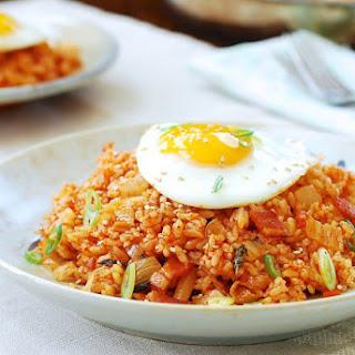 Kimchi Fried Rice (Kimchi Bokkeum Bap).
